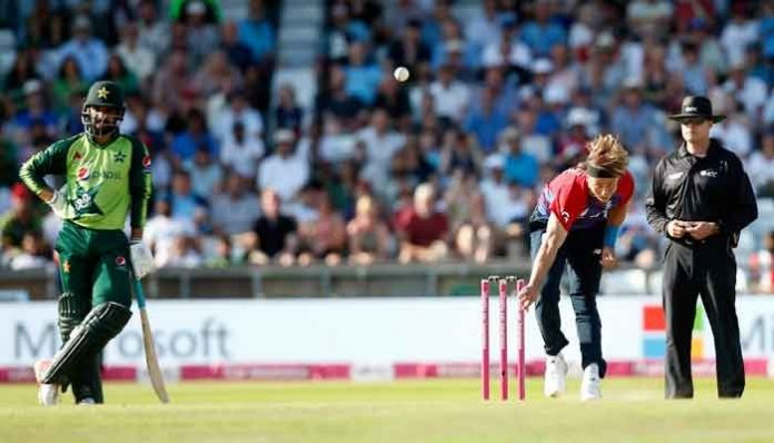 Spinners shine as England beat Pakistan to level T20 series 1-1